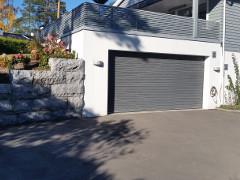 Garasje med terrasse